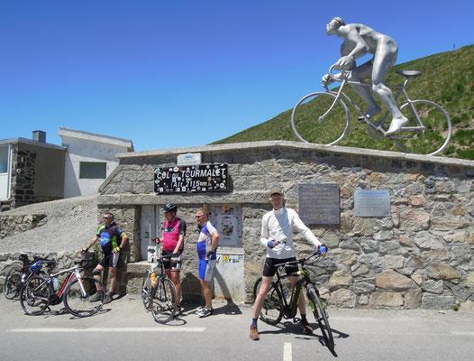 Ziel: mit dem E-Bike auf dem Col du Tourmalet, 2115 m ü.d.M. Foto: C. Schumann, 2017
