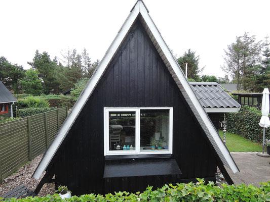 Sogenannte A-Häuser mit viel Dach wurden vor einigen Jahrzehnten gern gebaut. Foto: Chr. Schumann, 2020