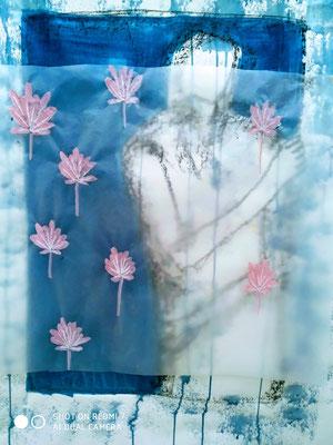 Frau in blau  Mischtechnik auf Papier  75 x 50 cm