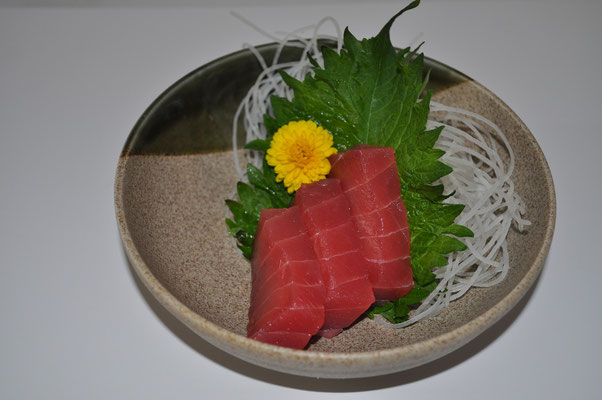 Sashimi Cut from SAKU Block