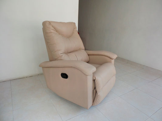 Reclinable en Cuero 100% color Almendra