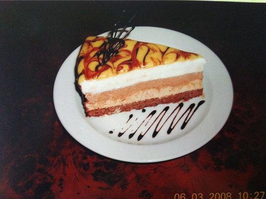Drei Schokoladen Torte