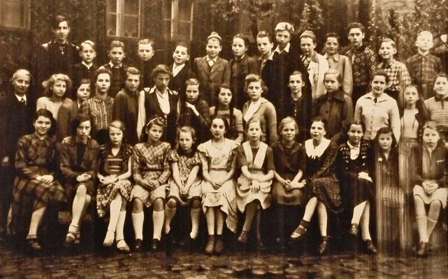 Klassenfoto 1951, 7.Klasse, 1.Volksschule Tiergarten, Genthiner Straße