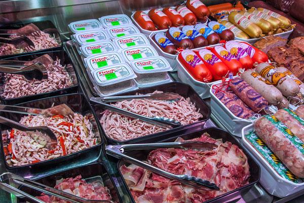 frische Fleisch- und Wurstsalate