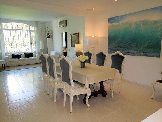 Дом находится в 100 метрах от пляжа Сант Пол и недалеко от пляжа Са Конка