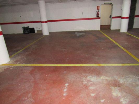Также, имеется паркинг на две машины