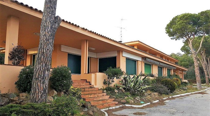 Коммерческая недвижимость с жилым корпусом на побережье Коста Брава