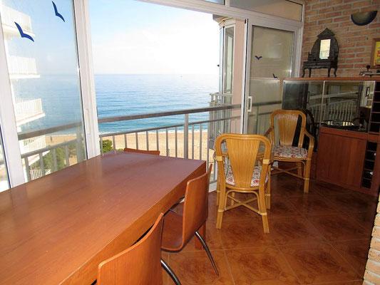 Квартира в Испании на первой линии моря города Плайя де Аро (Platja d'Aro)