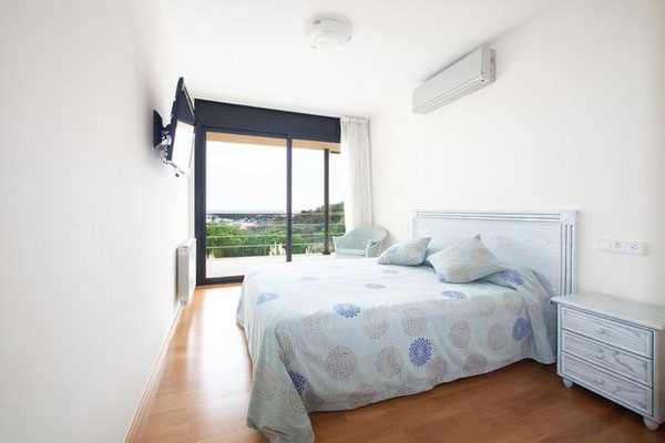 Дом в Испании с видом на море Коста Брава - Испания - Сант Фелиу де Гишольс