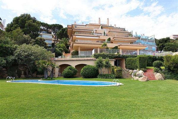 Продажа двух этажной квартиры в Испании на первой линии моря - S'agaró