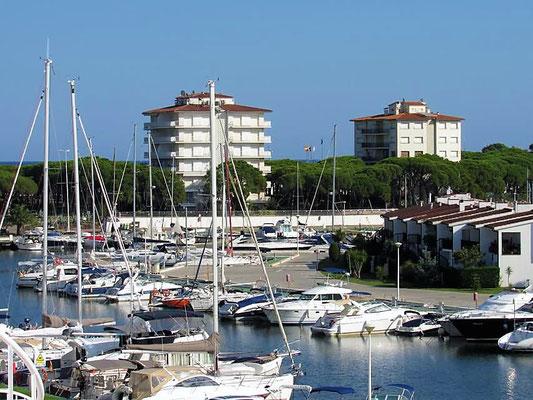 Пентхаус в Плайя де Аро с видом на канал Порта