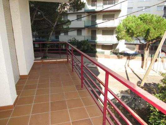 Апартамент на второй линии моря в Плайя де Аро на побережье Коста Брава, Испания