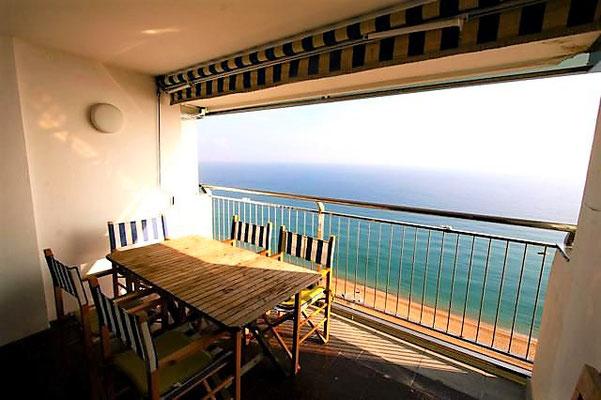 Квартира дуплекс на первой линии моря в Плайя де Аро