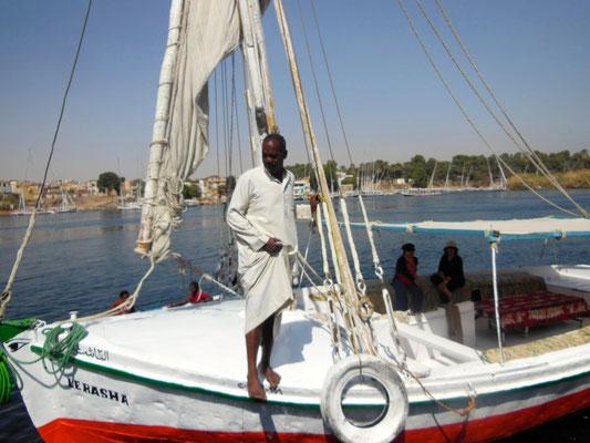 フルーカー風で動く昔ながらの帆船