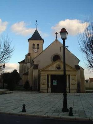 L'église vue de la rue Jean Nicolas