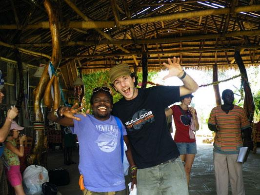 in2kenya e il leone del divano a Kibo camp Amboseli in2kenya