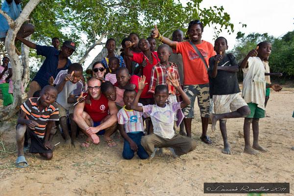 Kenya, Gerardina, Luciano, io Giovanni, e i bambini in2kenya