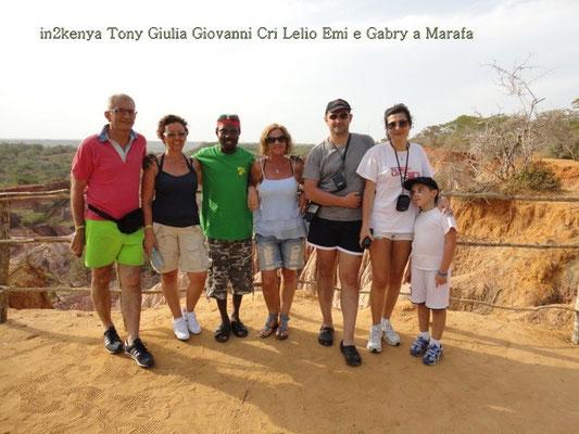 Tony, Giulia, Giovanni, Cris,Lelio, Eli, e il piccolo Gabriele a Marafa in2kenya