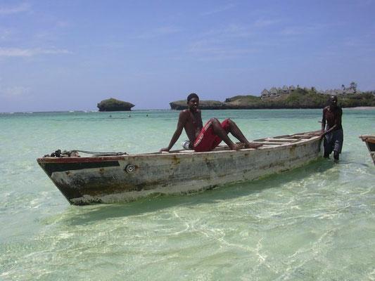 canoa watamu kenya pescatore