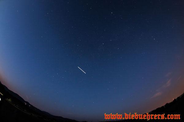 Nein, das ist keine Sternschnuppe, die ISS war auch unterwegs