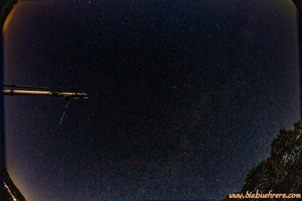 Blick in den Nachthimmel über dem Hohe Flum, die Milchstraße ist leicht zu  sehen