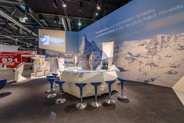 Messestand Erlebnis 3D Projektion Bergsteigen Architektur Dekoration Design Grafik Live Kommunikation Rigips Mietmöbel