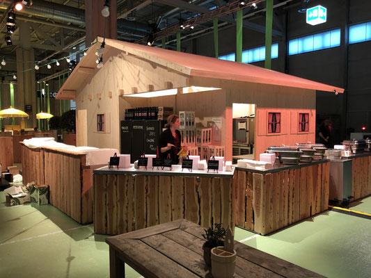 Personalanlass Mitarbeiterfest Event Mobiliar Mietmöbel Blockhütte