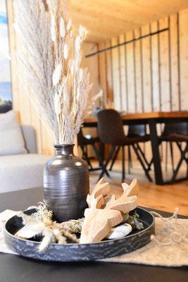 Tischdekoration mit Trockenblumen
