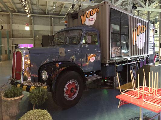 Personalanlass Mitarbeiterfest Event Mobiliar Mietmöbel Foodtruck