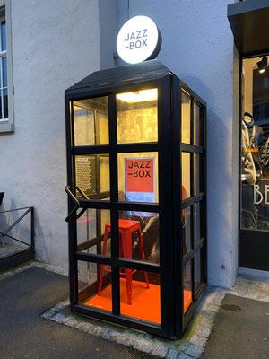 Jazz Musem Umbau Telefonkabine Event Anlass Schaufenstergestaltung