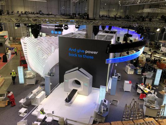 Varian Messestand Live Kommunikation Event Grossanlass Veranstaltung Architektur