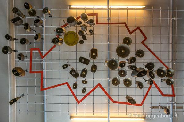 Erlebnisarchitektur Klangewelt Toggenburg Museum Umbau Wand Glocken Schweizer Karte