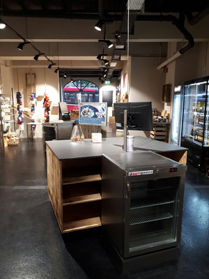 Umbau Ladenbau Architektur Einrichtung Dekoration Verkaufstheke