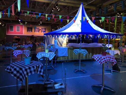 Personalanlass Mitarbeiterfest Event Mobiliar Mietmöbel Oktoberfest