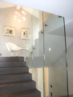 Glasgeländer - Punkthalter - © Glaserei Allgäuer