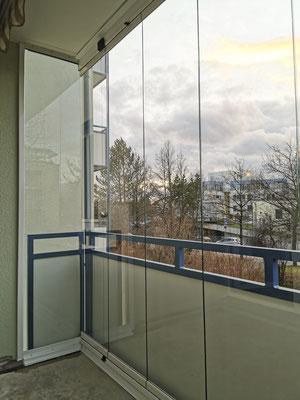 Balkonverglasung - Balkonabtrennung - Schiebeverglasung - © Glaserei Allgäuer