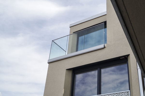 Glasgeländer - Glasbrüstung - Absturzsicherung - © Glaserei Allgäuer