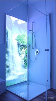 Beleuchtete Glasrückwand - Duschrückwand - © LEDscreen®