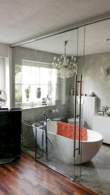 Wohnbad, Glasschiebetüre - © Glaserei Allgäuer