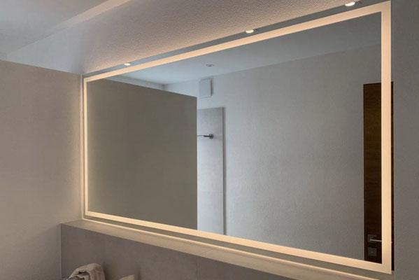 Spiegel - Maßanfertigung - individuell - LED Spiegel - © Glaserei Allgäuer