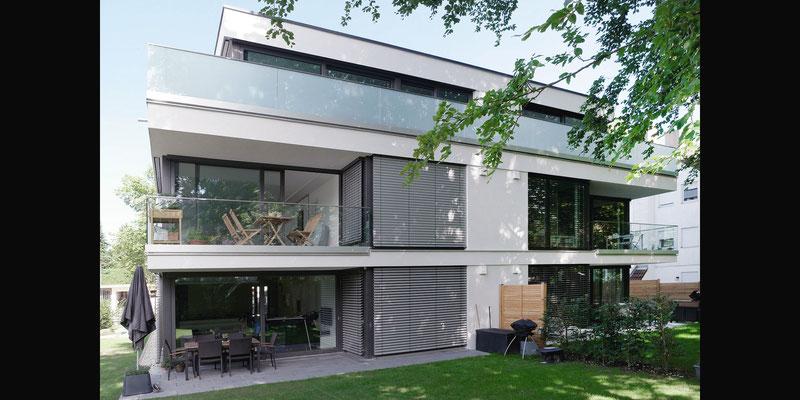Ausführung von Geländerverglasungen - Projekt, Mehrfamilienhaus Grünbauerstr. 44, München, Architekten HBH, https://architekten-hbh.de - © Architekten HBH