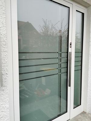 Aluminiumhaustüre - Sandstrahldesign - Einbruchschutz - © Glaserei Allgäuer