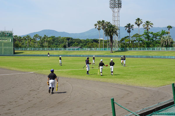 鹿児島ヤングヒーローズ VS 神村学園女子硬式野球部