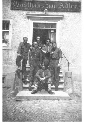 Öhningen 12 5 1945 (c) René 2e debout en partant de la gauche En Allemagne, trois jours après la fin des hostilités