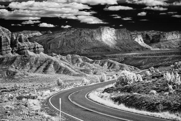 Road towards waterpocket fold, Capitol Reef NP, Utah