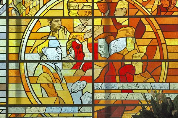 Sozialistische Glaskunst im Fernsehturm Tallinn, Estland