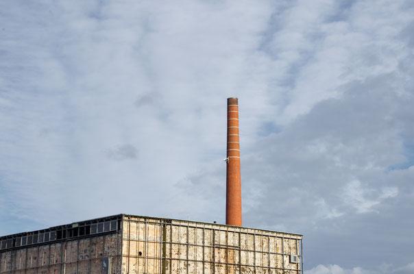 Nichtrauchender Schlot: Abriss der Zigarettenfabrik in Wilmersdorf