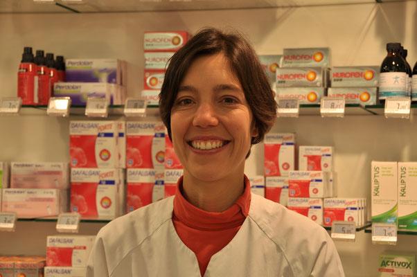 Isabelle Boutoille, apotheker, afgestudeerd in 2002. Aanwezig: maandagnamiddag, vrijdagnamiddag en zaterdagmorgen.