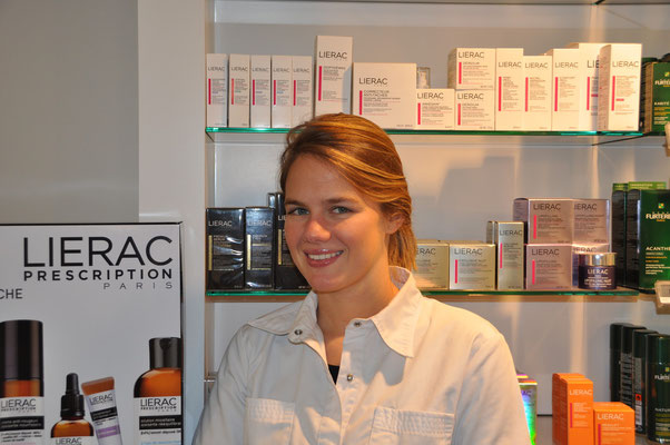 Louise Delbar, apotheker, afgestudeerd in 2011. Aanwezig: iedere dag behalve dinsdagnamiddag en donderdag.