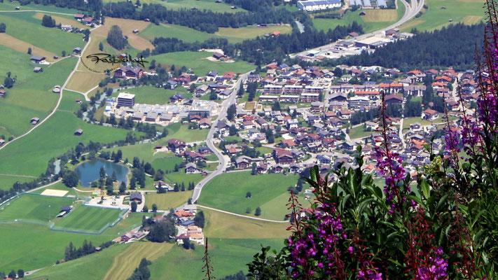 Dorfteil Kampl mit dem Rasbichlhof (links oben), Aussicht von der Elfer-Hütte